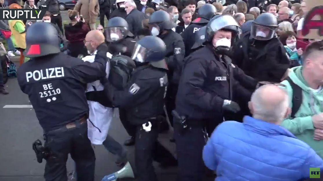 اعتقالات في ألمانيا أثناء مظاهرات ضد قيود كورونا