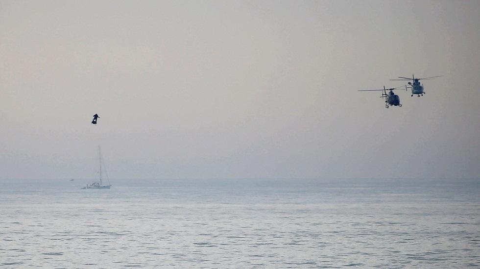 البحرية البريطانية تحتجز سفينة في قناة المانش وتعتقل 7 أشخاص