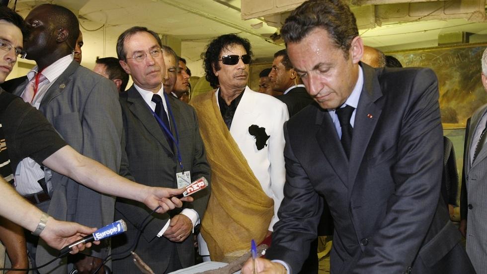التحقيق مع ساركوزي يكشف