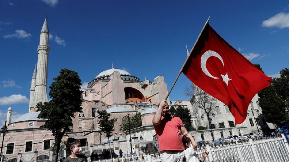 لافروف: نأمل بأن تفي تركيا بالتزاماتها بخصوص