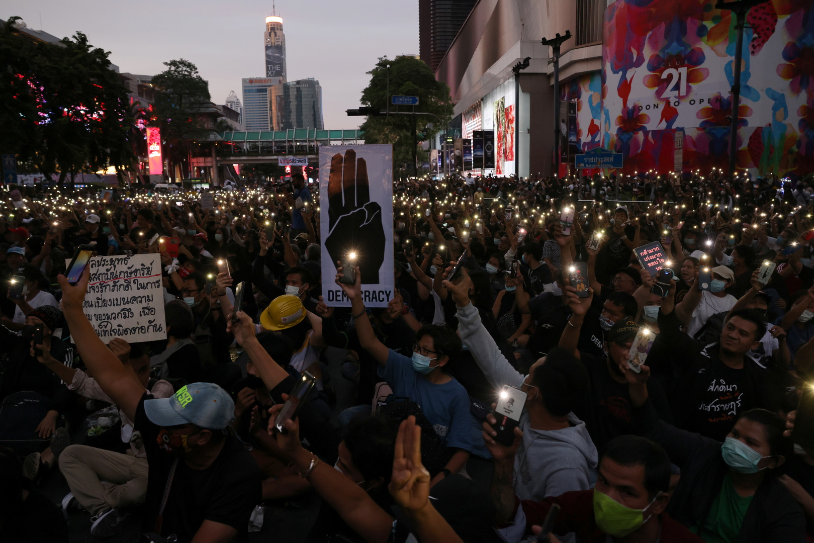 تايلاند.. أكبر حزب سياسي معارض يطالب برحيل الحكومة