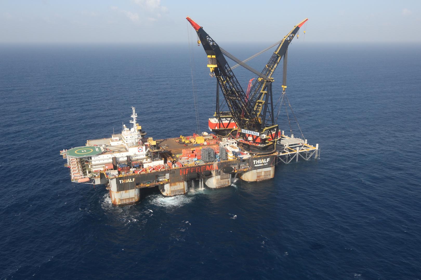 منصة التأسيس الجديدة لحقل ليفياثان للغاز الطبيعي في البحر الأبيض المتوسط قبالة سواحل حيفا