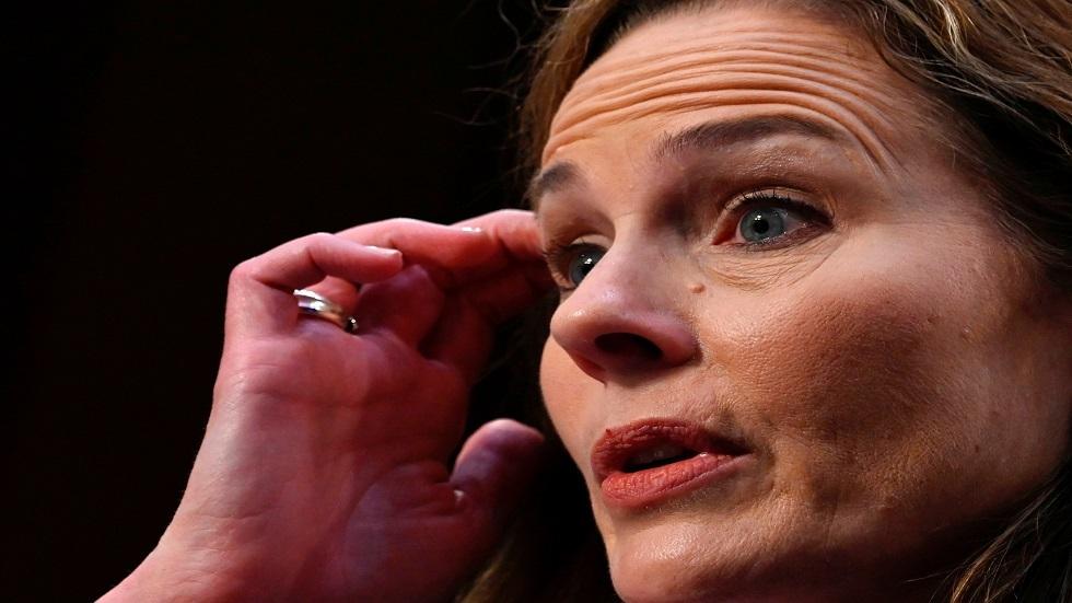 مرشحة ترامب لعضوية المحكمة الأمريكية العليا إيمي باريت