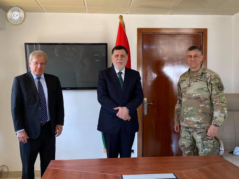 السفير الأمريكي لدى ليبيا: آمل أن يبقى السراج في منصبه لفترة أطول قليلا