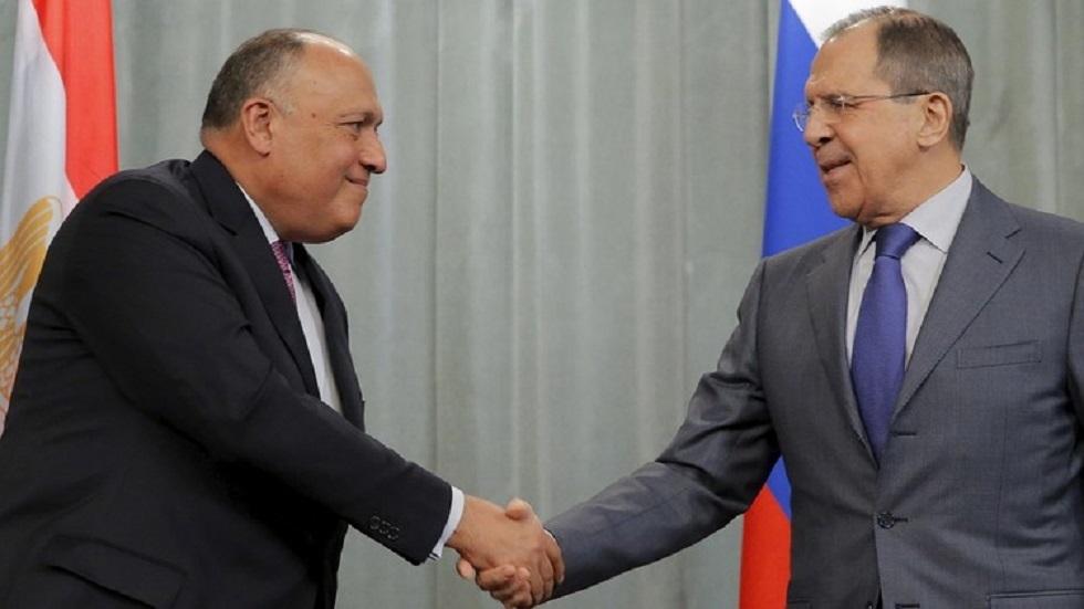 وزير الخارجية الروسي سيرغي لافروف مع نظيره المصرى سامح شكري - أرشيف