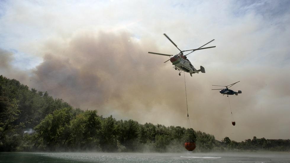 إخلاء 50 منزلا وتضرر هكتارين بحريق جنوبي تركيا