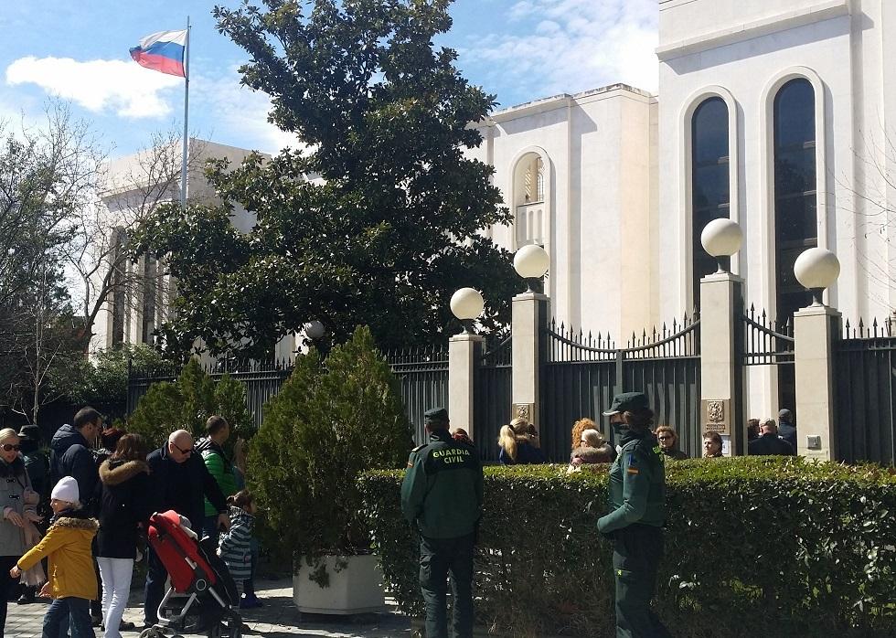 السفارة الروسية بمدريد تسخر من التقارير عن