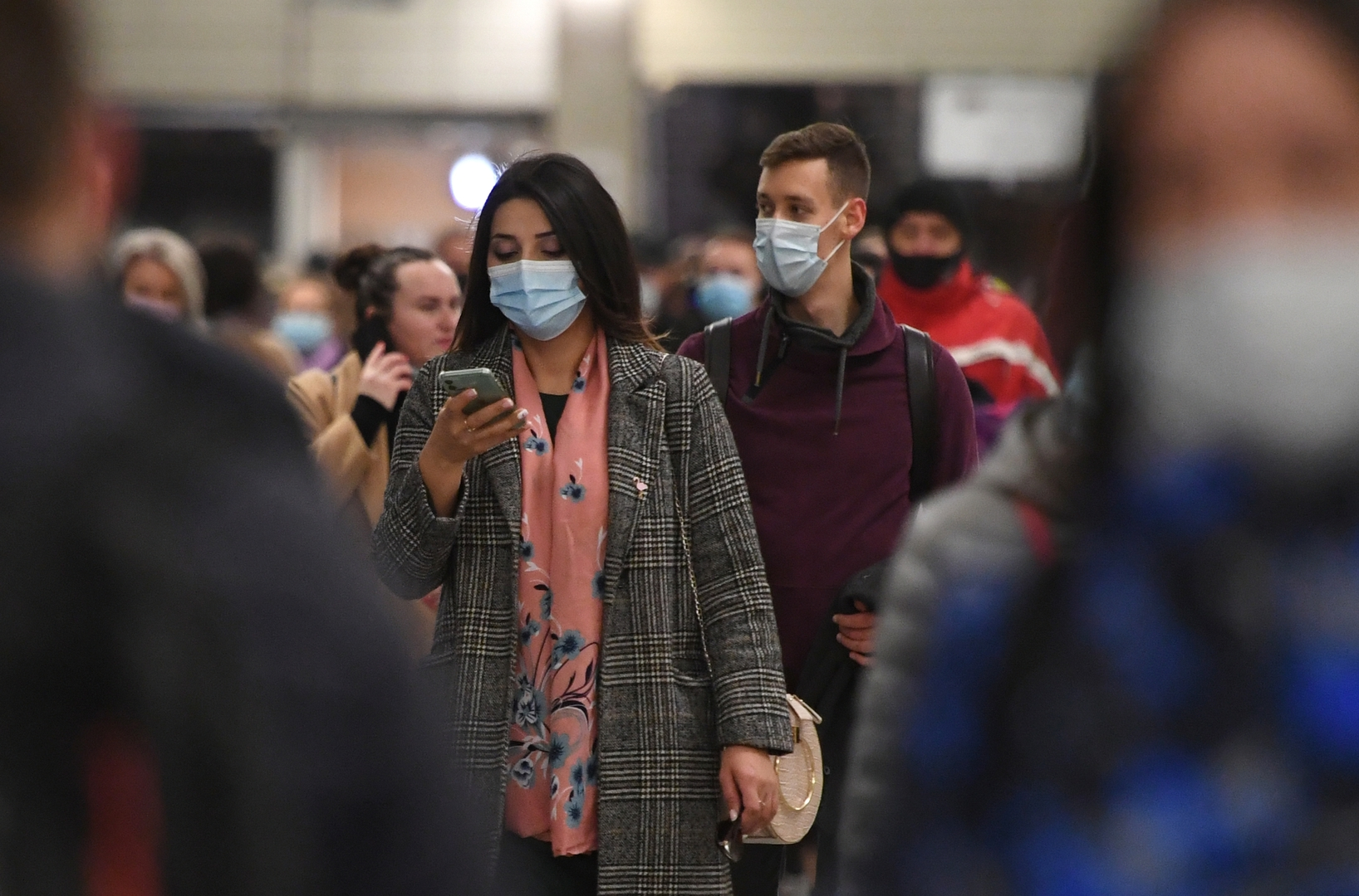 كبير أطباء الأمراض المعدية يحدد موعد انتهاء ارتفاع معدلات الإصابة بكورونا في روسيا