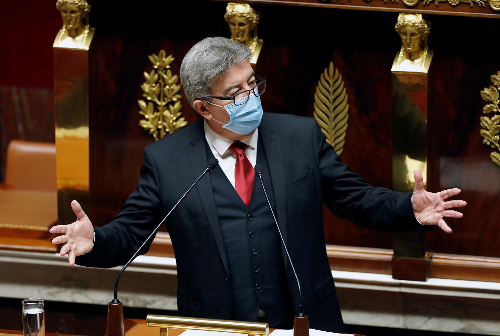الحكومة الفرنسية توسع فرض وضع الكمامات ليشمل الأطفال