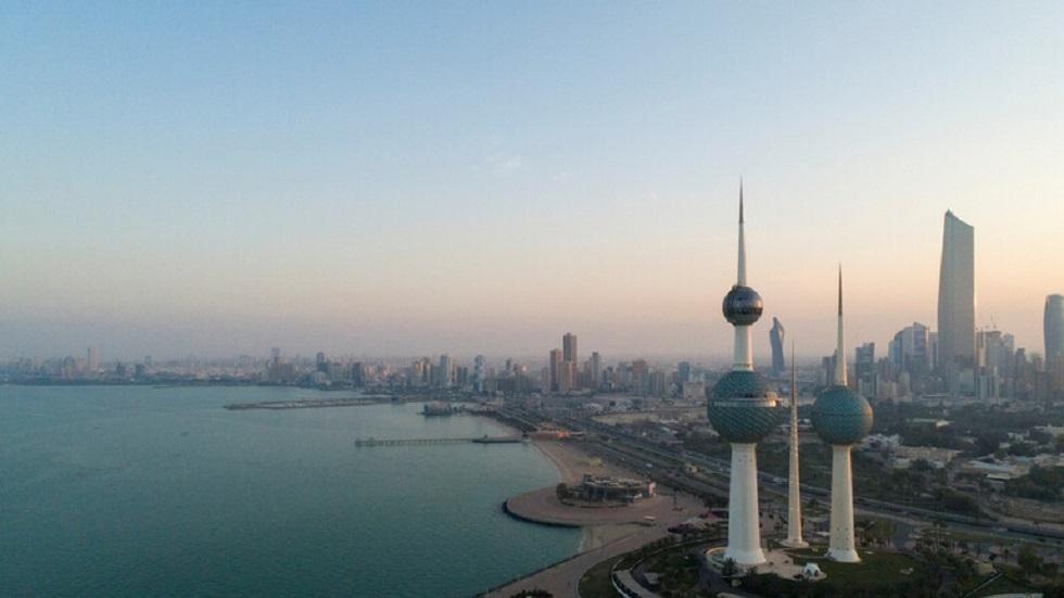 الكويت تبعد أكثر من 13 ألف وافد منذ بداية عام 2020