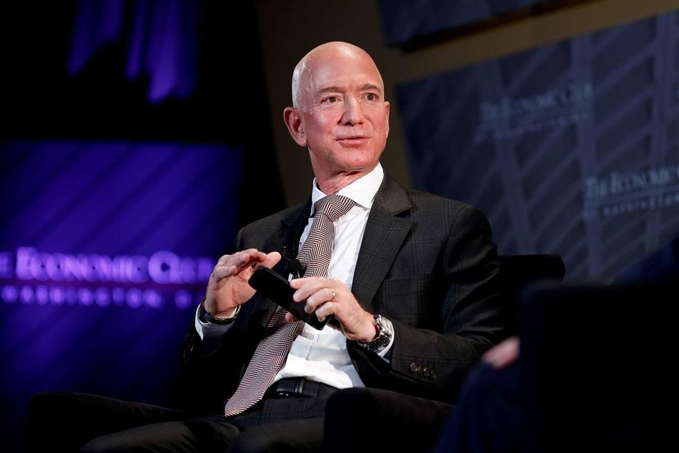 أغنى رجل في العالم يخسر 6.8 مليار دولار في يوم واحد