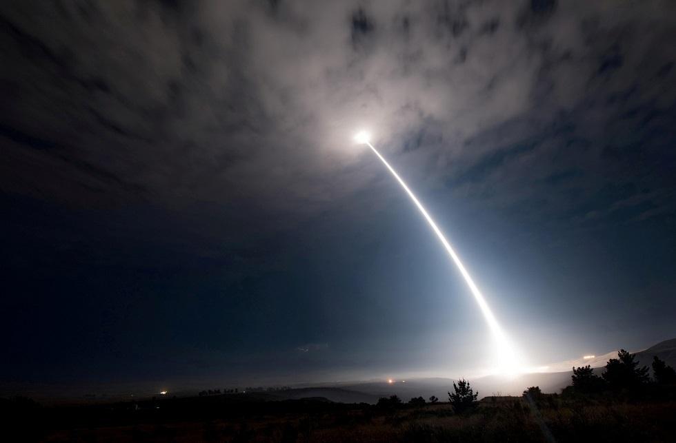 الولايات المتحدة تختبر بنجاح صاروخا باليستيا عابرا للقارات (فيديو)
