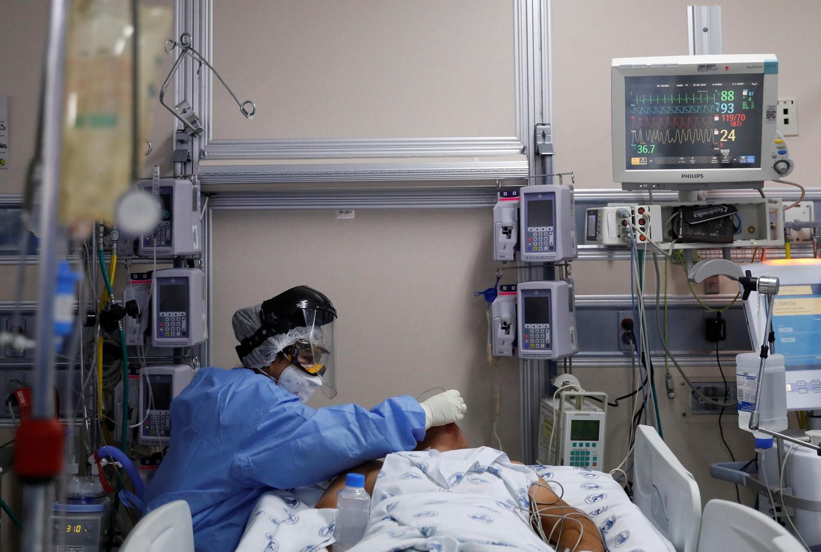 الولايات المتحدة تسجل قفزة قياسية في إصابات كورونا اليومية