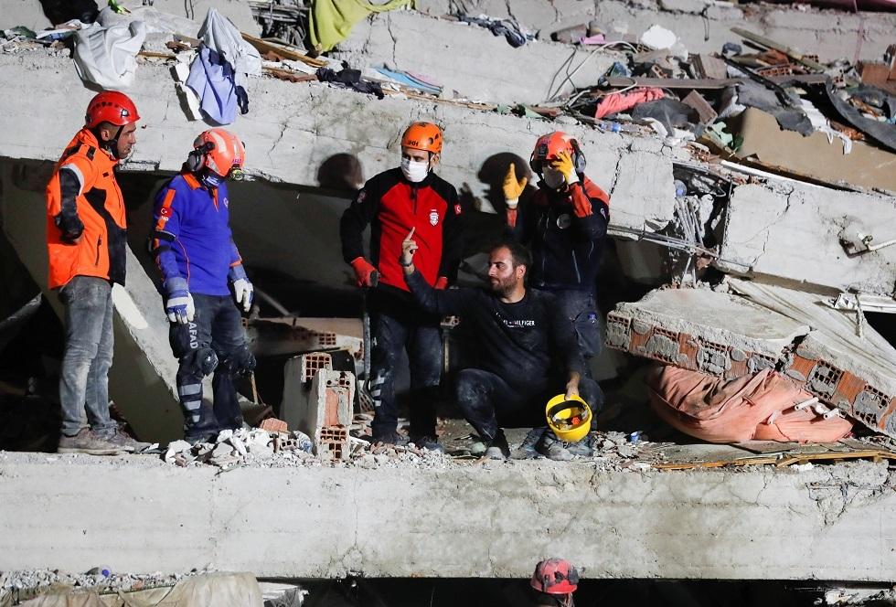 فرنسا تعرض المساعدة على تركيا واليونان إثر زلزال بحر إيجه