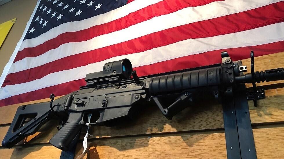 مول أمريكي شهير يتراجع عن سحب الأسلحة من على الرفوف