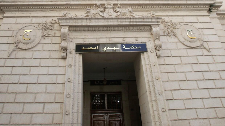 الجزائر.. محامون يرفعون دعوى قضائية ضد طبيبة بـ