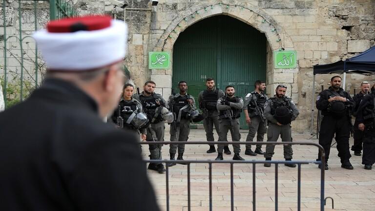 إسرائيل تمنع ألفي فلسطيني من صلاة الجمعة في الأقصى