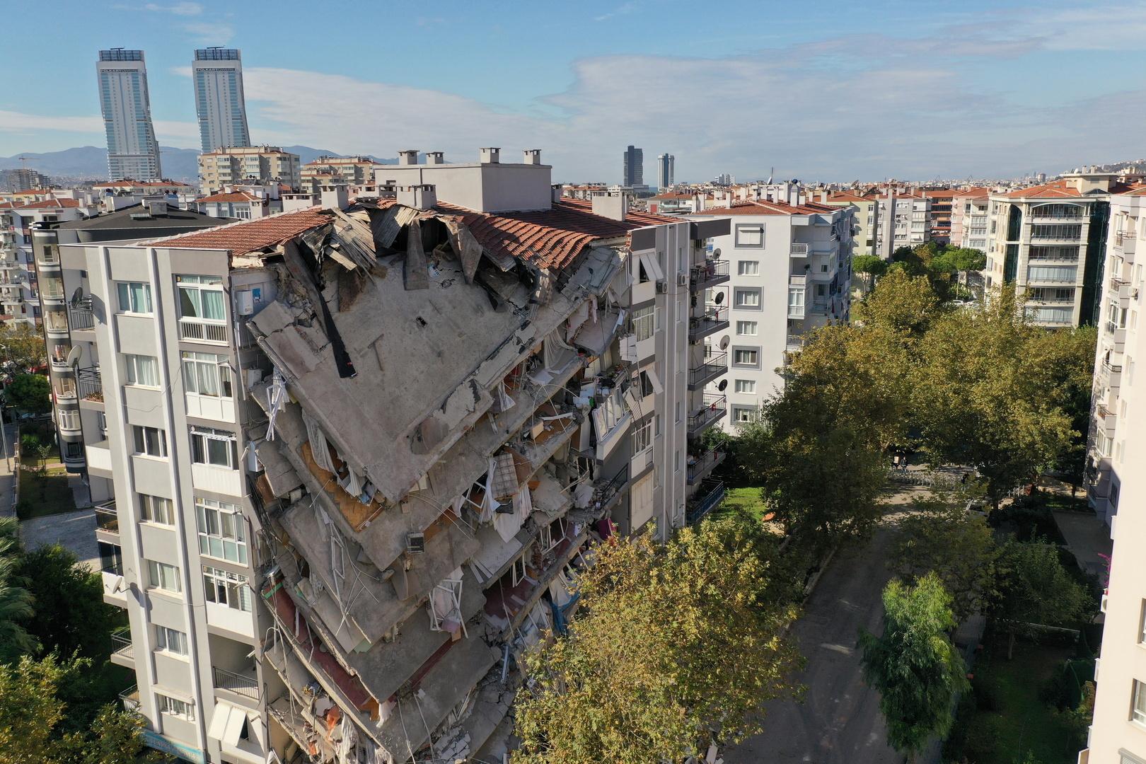 ارتفاع حصيلة ضحايا زلزال إزمير إلى 76 قتيلا