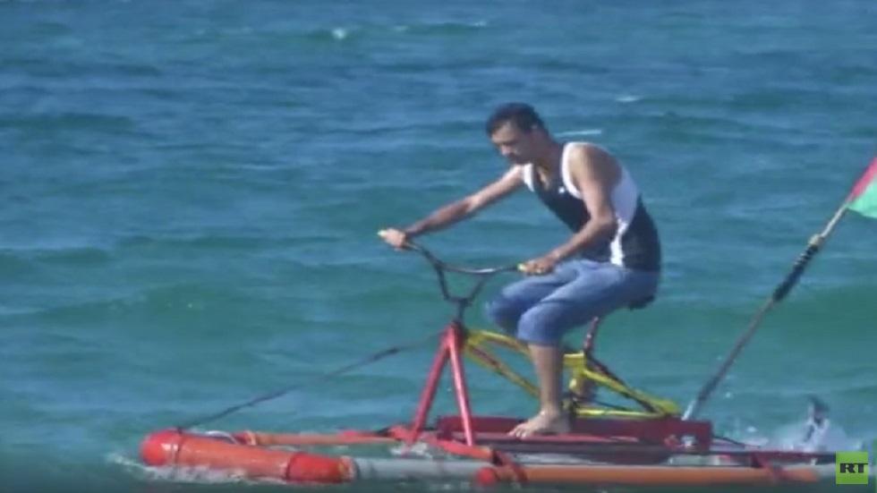 دراجة مائية في غزة لأغراض متعددة