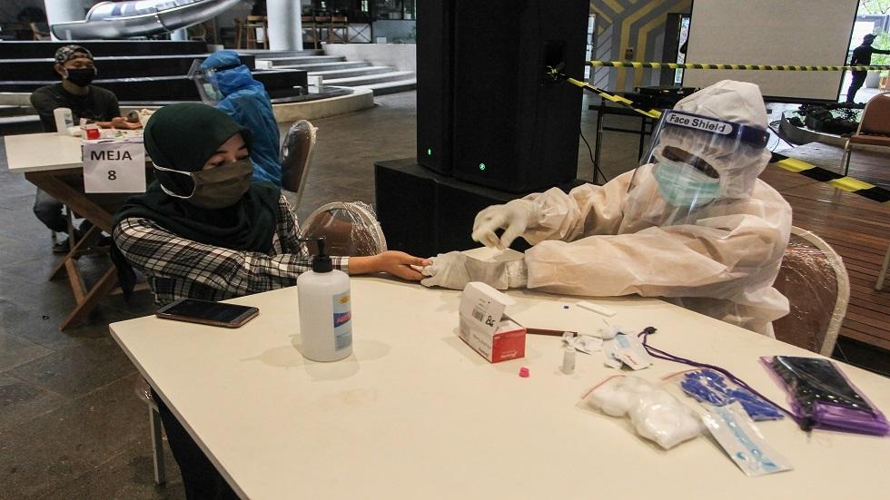العلماء يحذرون من تفشي فيروس قاتل جديد