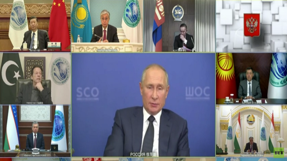 بوتين يؤكد فعالية اللقاحات الروسية