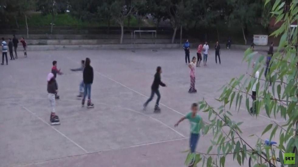 فتيات من غزة يشكلن فريقا للتزلج على