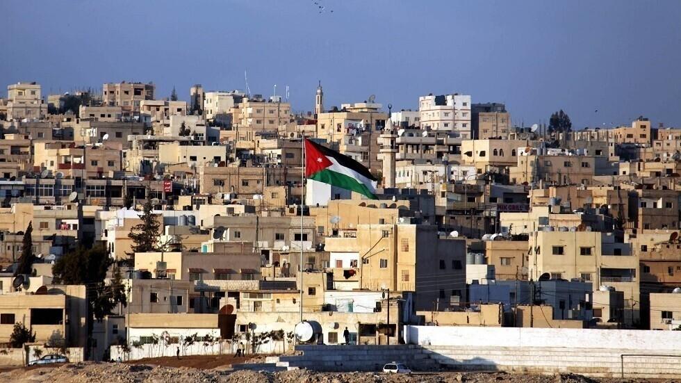 ملك الأردن يوافق على استقالة وزير الداخلية ويعين بديلا له