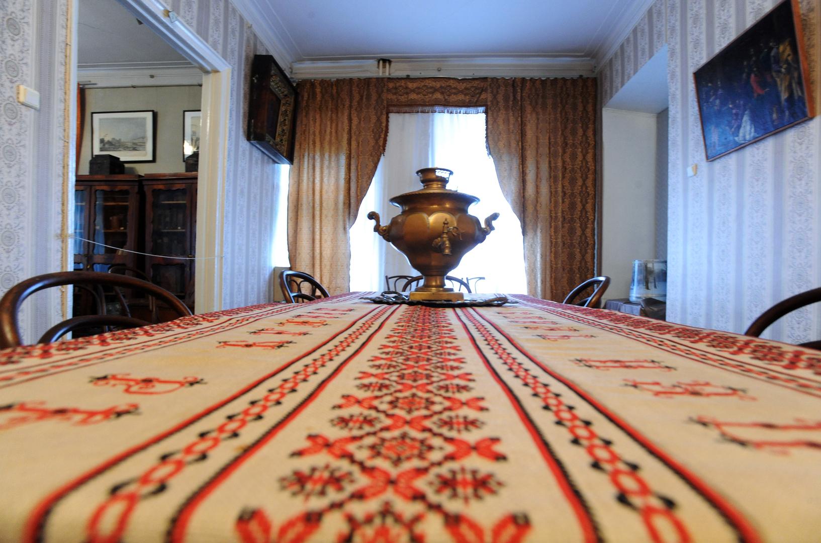 غرفة الضيافة في عزبة زفوريكين