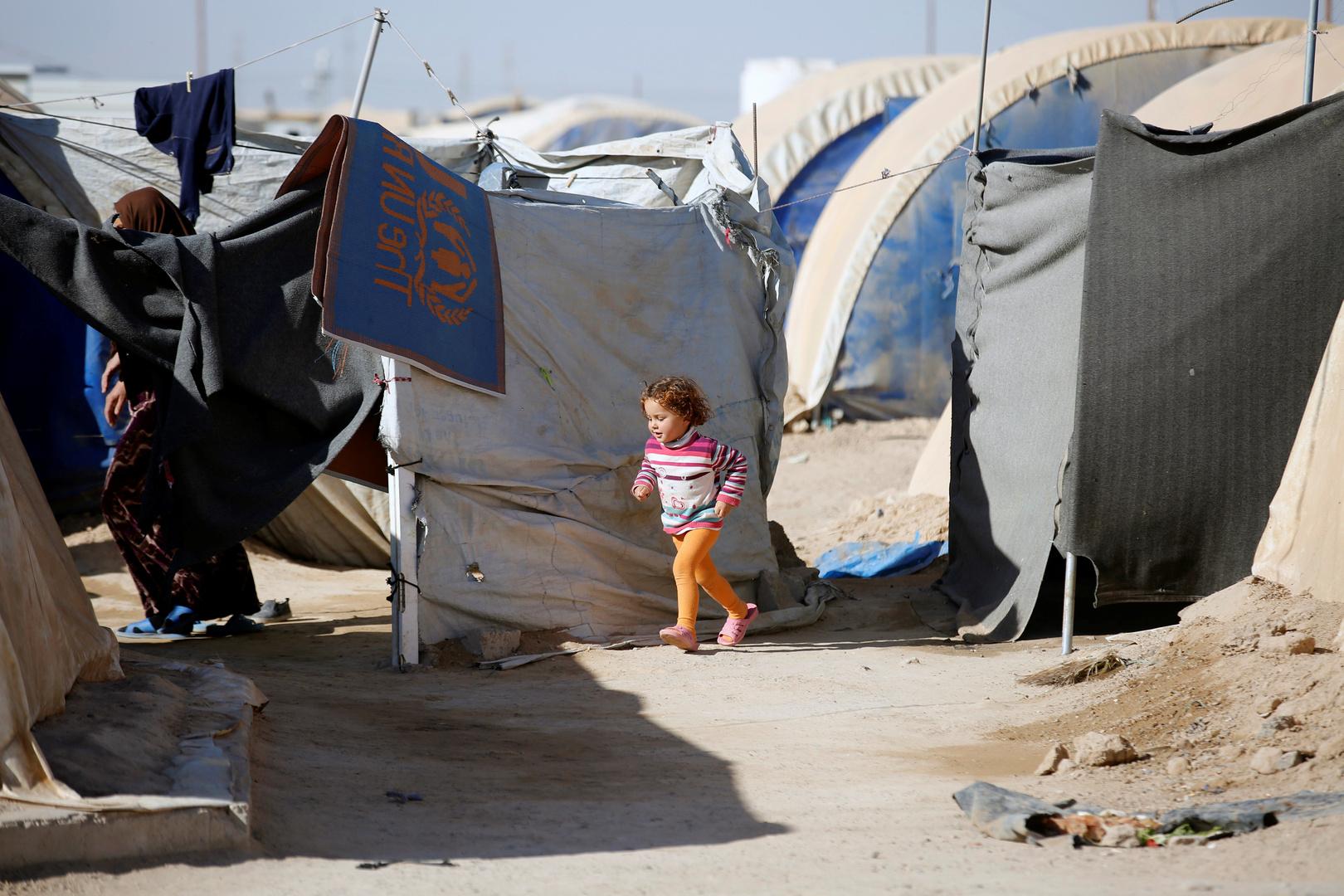 العراق يغلق مخيما للنازحين غرب البلاد