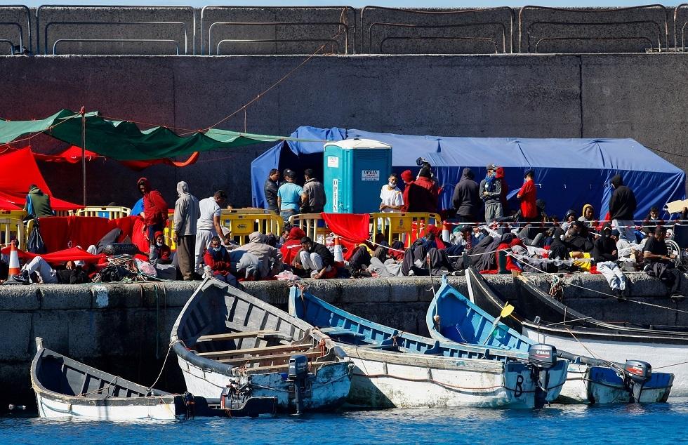 متظاهرون يطالبون بظروف معيشة أفضل للمهاجرين في جزر الكناري