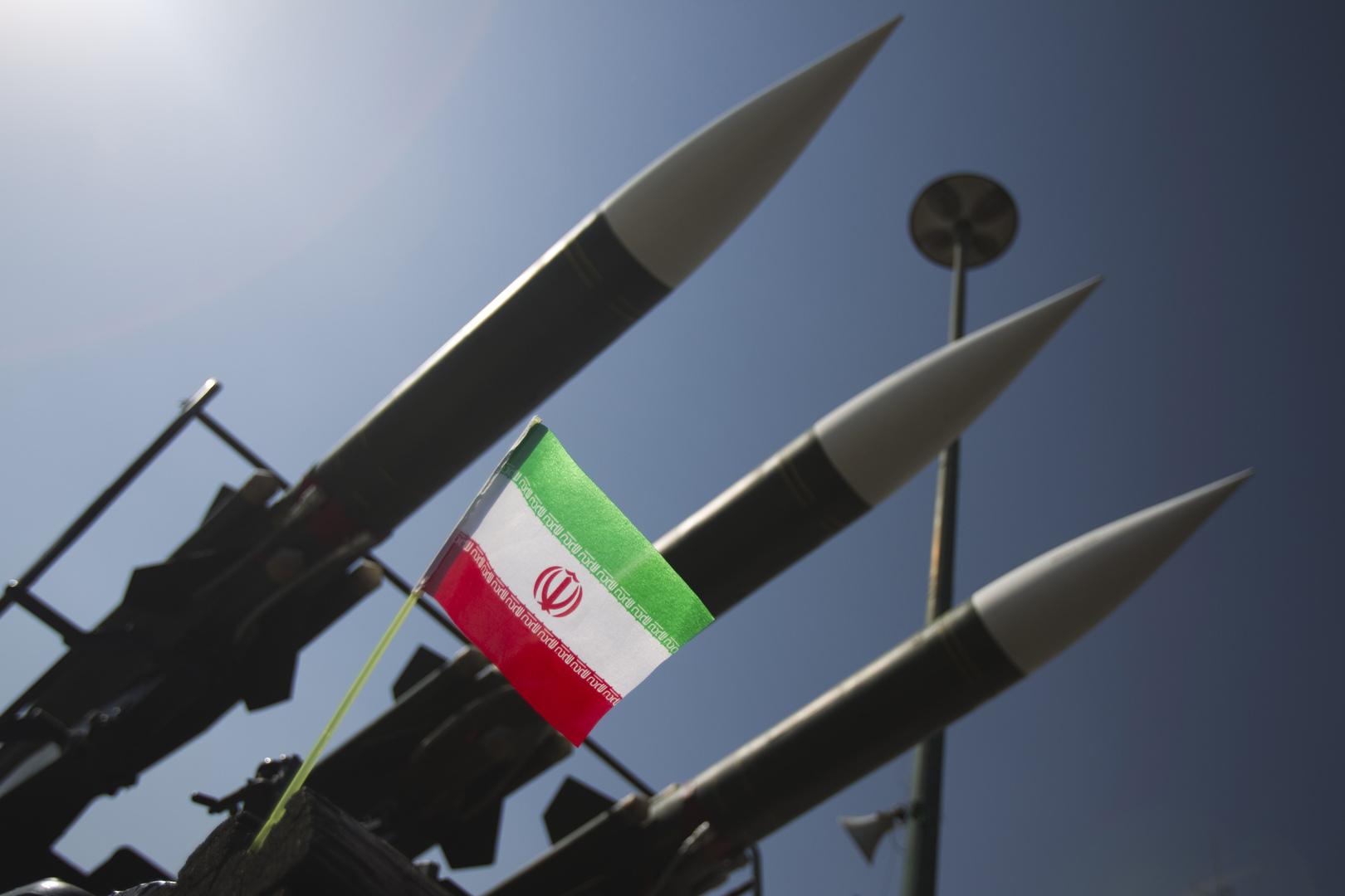 مسؤول عسكري إيراني: طهران وبغداد تعملان على اعداد اتفاق لتعاون دفاعي وعسكري