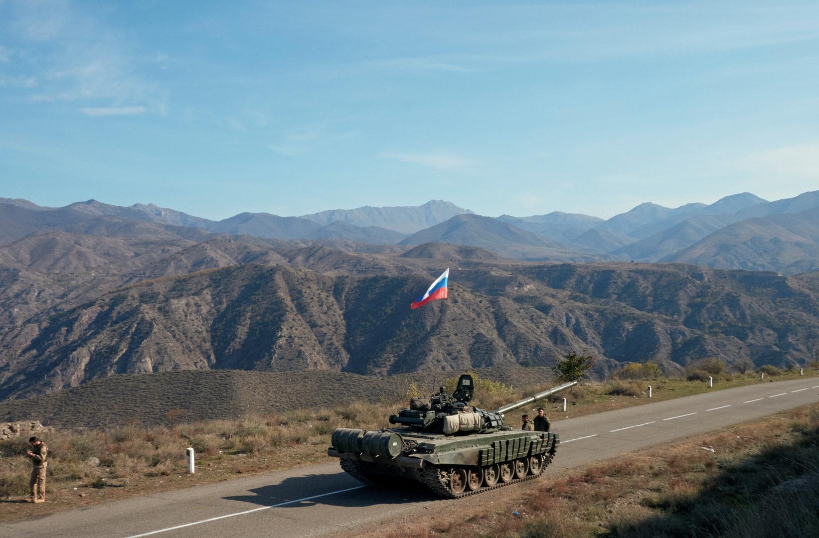 دبابة تابعة لقوات حفظ السلام الروسية في قره باغ