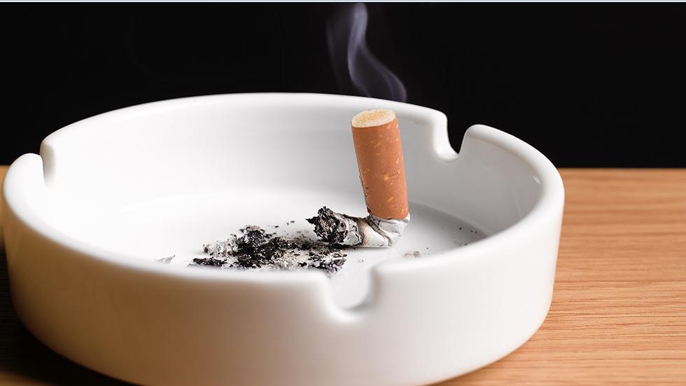 كيف يؤدي التدخين إلى تفاقم عدوى