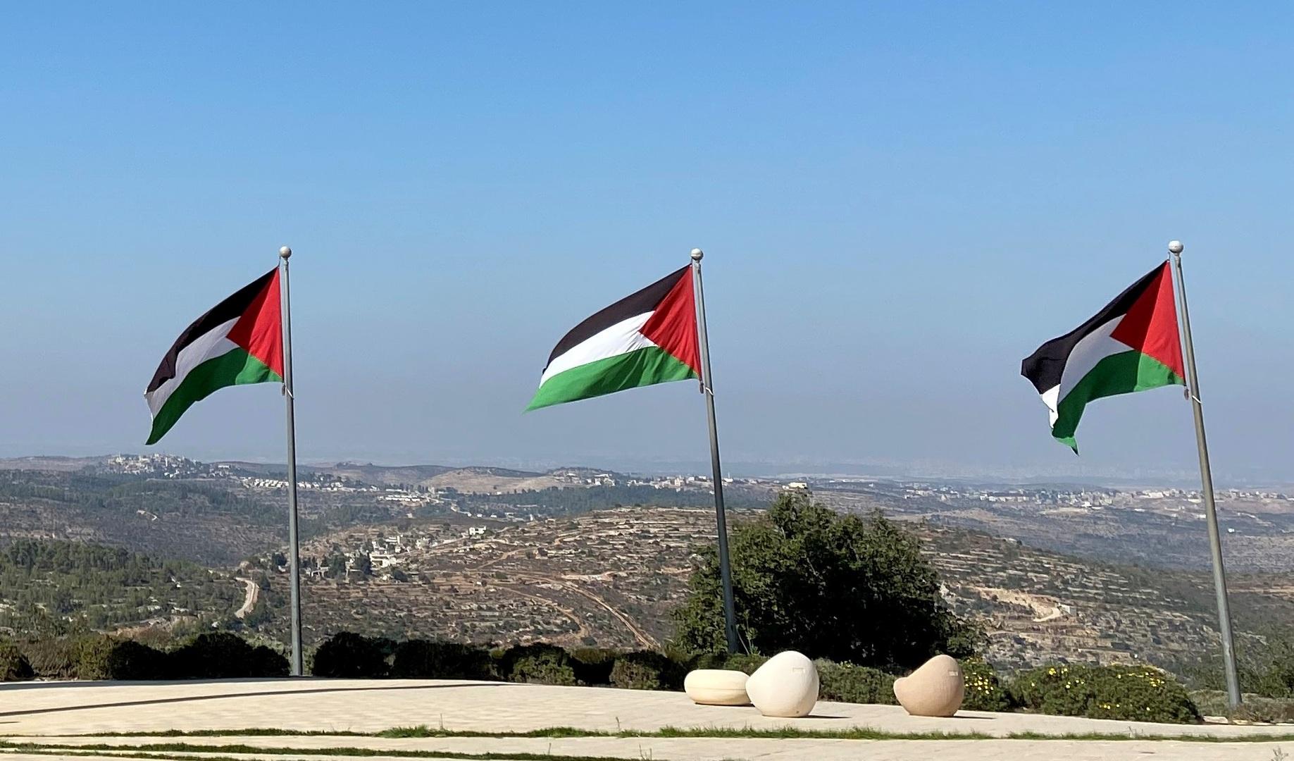 السلطة الفلسطينية بصدد إعادة سفيريها إلى الإمارات والبحرين