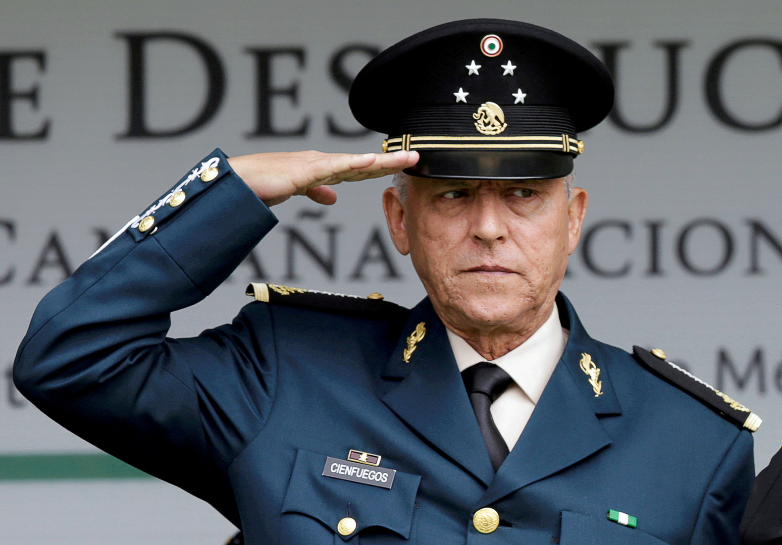 The return of the former Mexican Minister of Defense to his country after his criminal charges were dropped