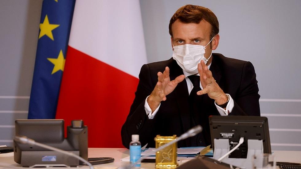 ماكرون يمهل قادة المسلمين في فرنسا 15 يوما لوضع