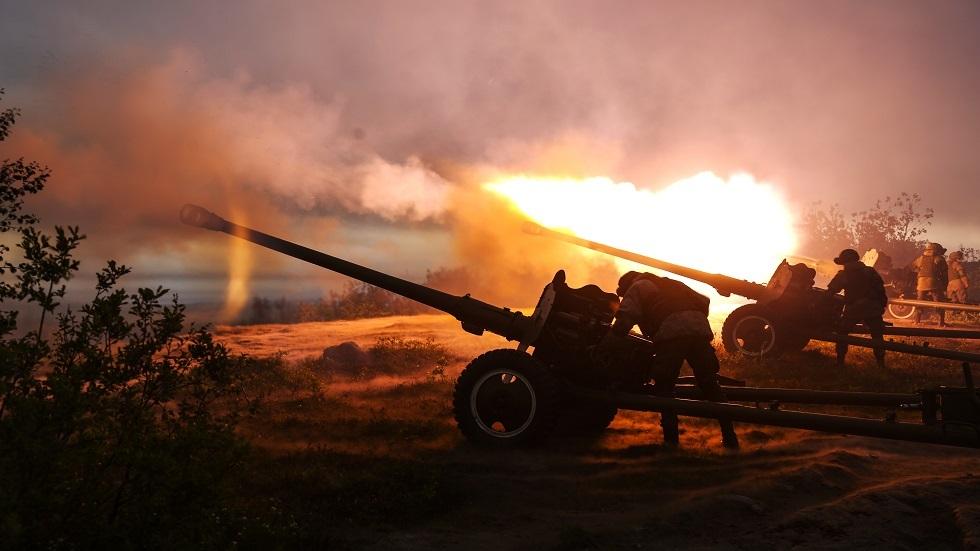 بمناسبة الذكرى 76 على تأسيسها.. شاهد قدرات قوات المدفعية والصواريخ في الجيش الروسي!