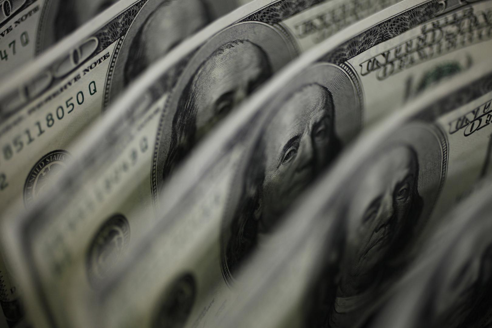 الدولار يرتفع بعد إعلان لوزير الخزانة الأمريكي