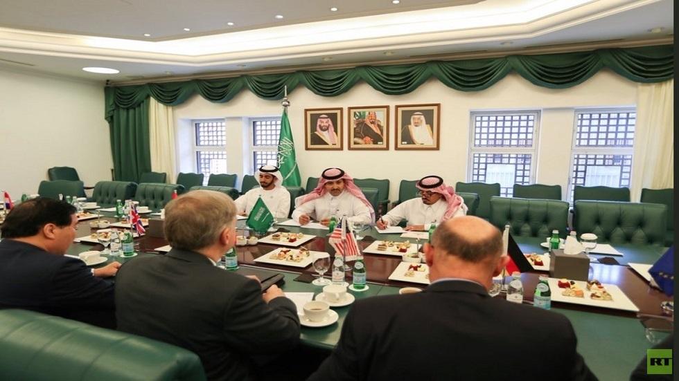 سفير السعودية في اليمن محمد آل جابر