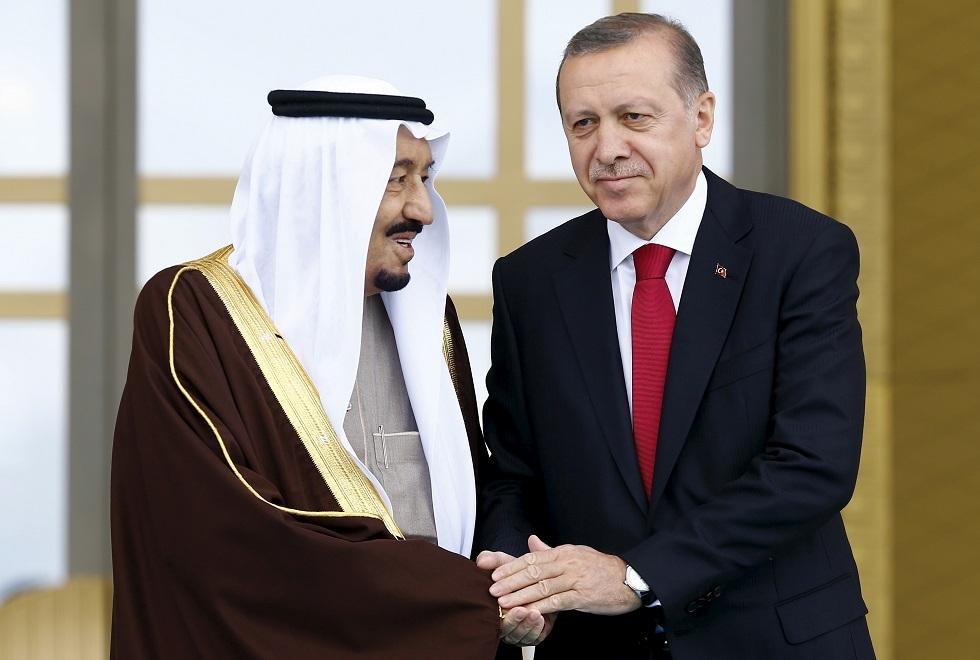 العاهل السعودي يتصل بالرئيس التركي لتنسيق الجهود المبذولة ضمن أعمال قمة العشرين