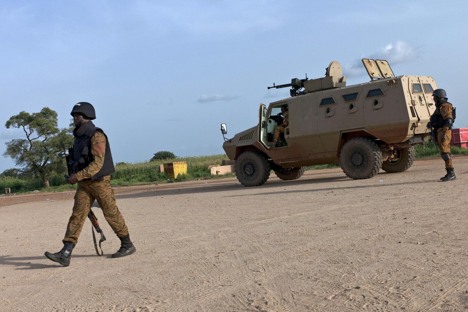 مصادر: مقتل أمريكي برصاص الجيش قبيل الانتخابات في بوركينا فاسو