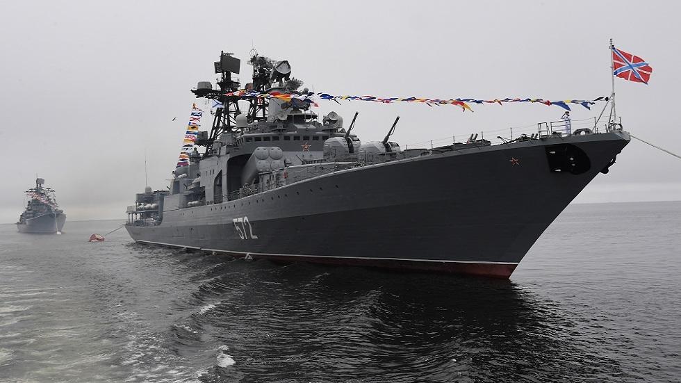الدفاع الروسية: منعنا المدمرة الأمريكية