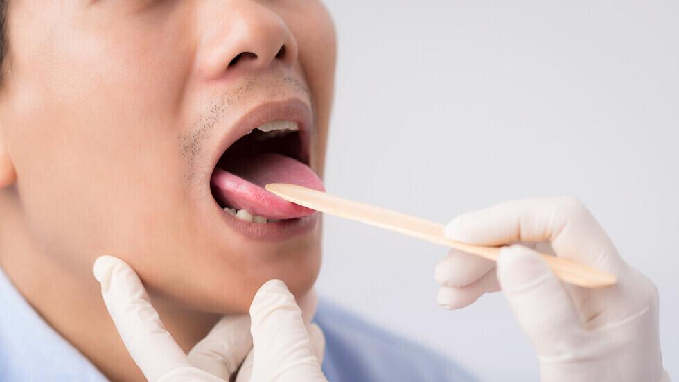 طعم معدني في الفم قد يكون عارضا تحذيريا للإصابة بعدوى