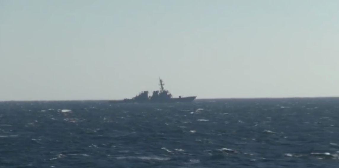 اعتراض مدمرة أمريكية في مياه خليج بطرس الأكبر بأقصى شرق روسيا