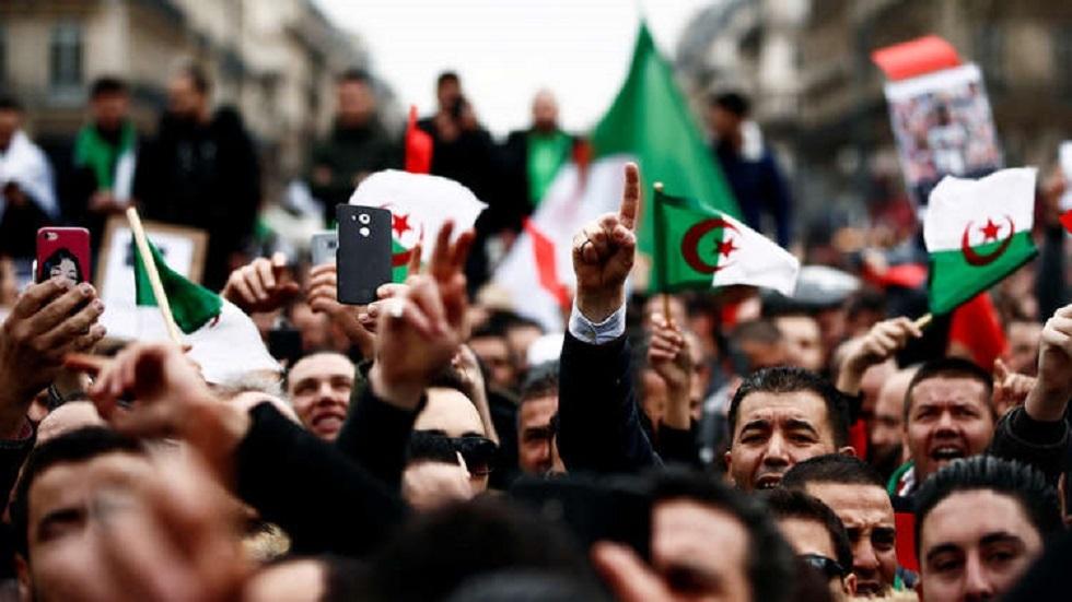 الجزائر.. تخفيف عقوبة ناشط متهم بالاستهزاء بالدين الإسلامي