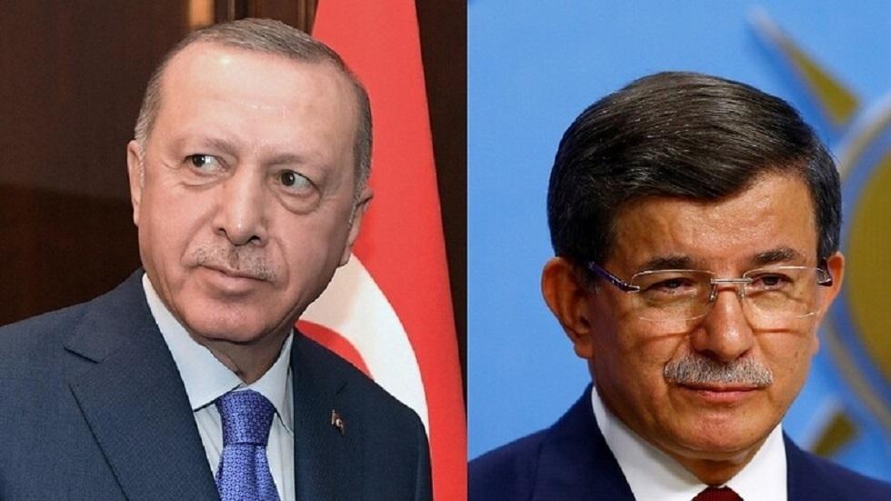 رئيس الوزراء الأسبق أحمد داود أوغلو، والرئيس التركي رجب طيب أردوغان