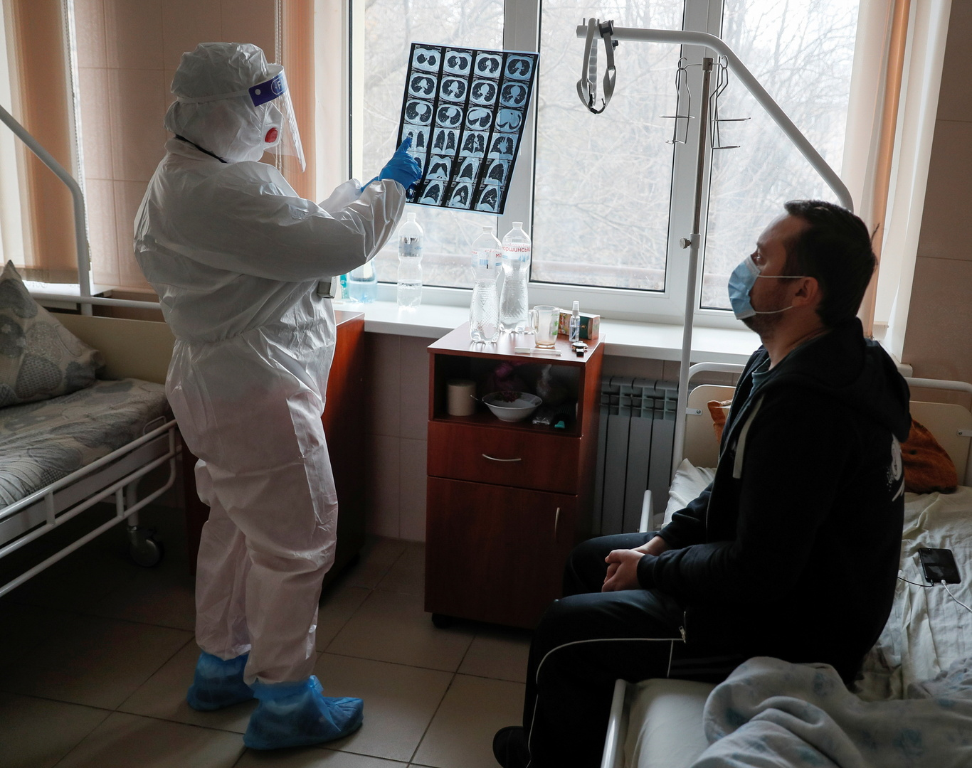 أوكرانيا تسجل زيادة قياسية بإصابات كورونا