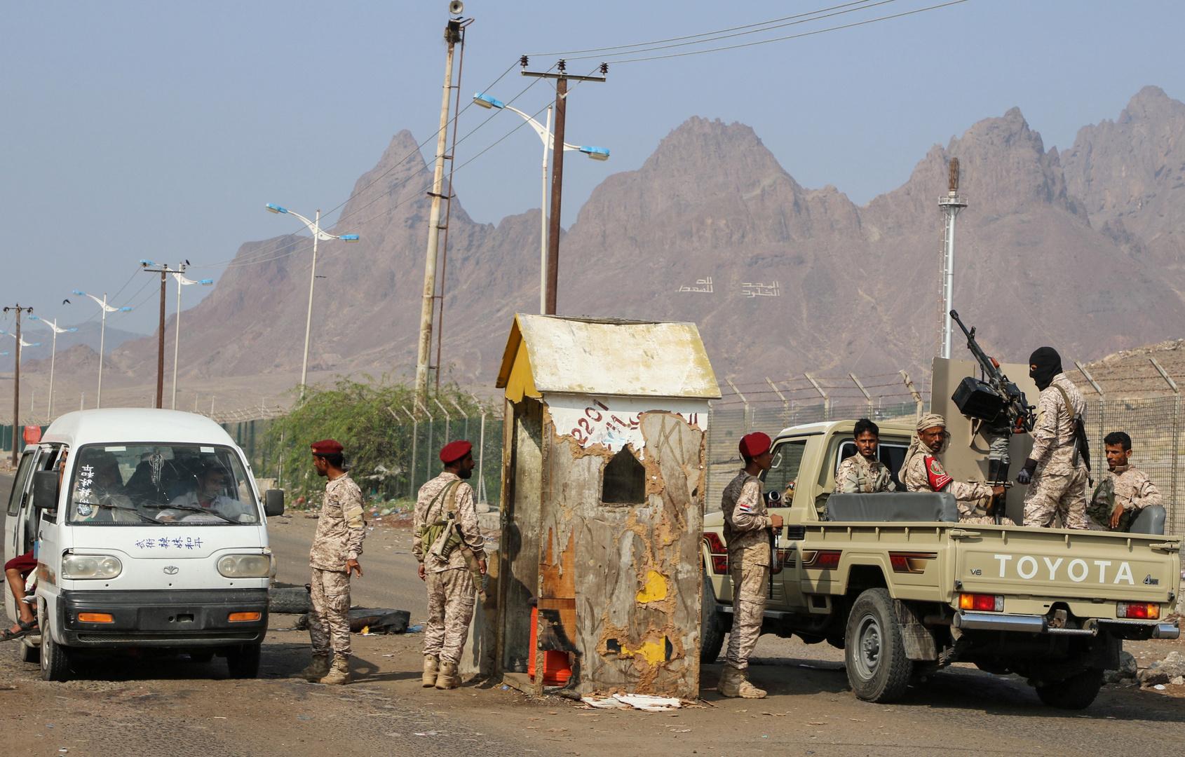 مقتل ضابط يمني بعد أن اختطفه مسلحون مجهولون في عدن