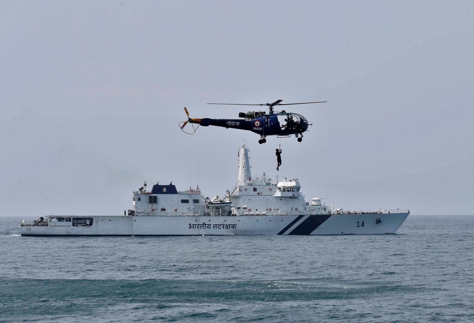 القوات المسلحة البحرية الهندية تتدرب على عمليات إنقاذ في بحر العرب. الصورة: أرشيف.