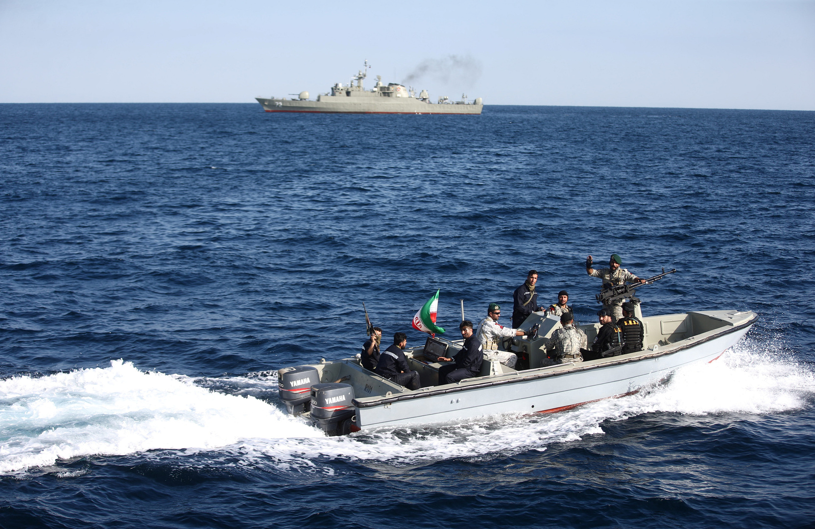 رئيس أركان الجيش الإيراني: القوة البحرية وسعت عمقها الاستراتيجي في شواطئ الخليج وبحر عمان